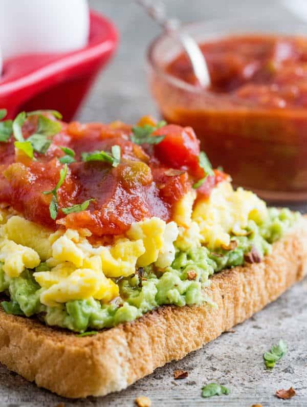 Avo toast healthy breakfast recipe