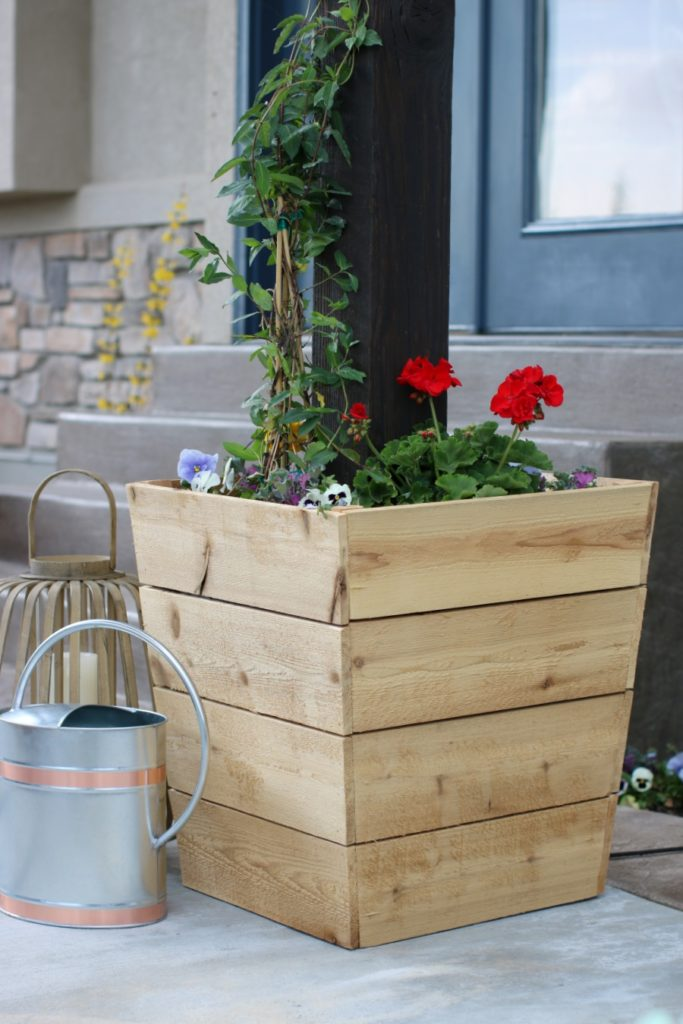 Cedar Planter DIY Ideas