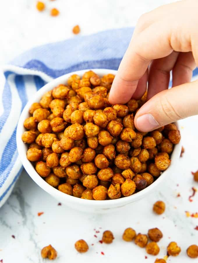 Roasted chickpeas healthy snack