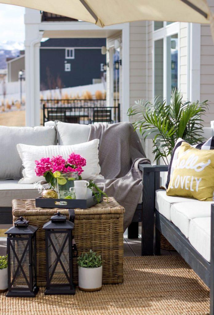 DIY Garden Sofa