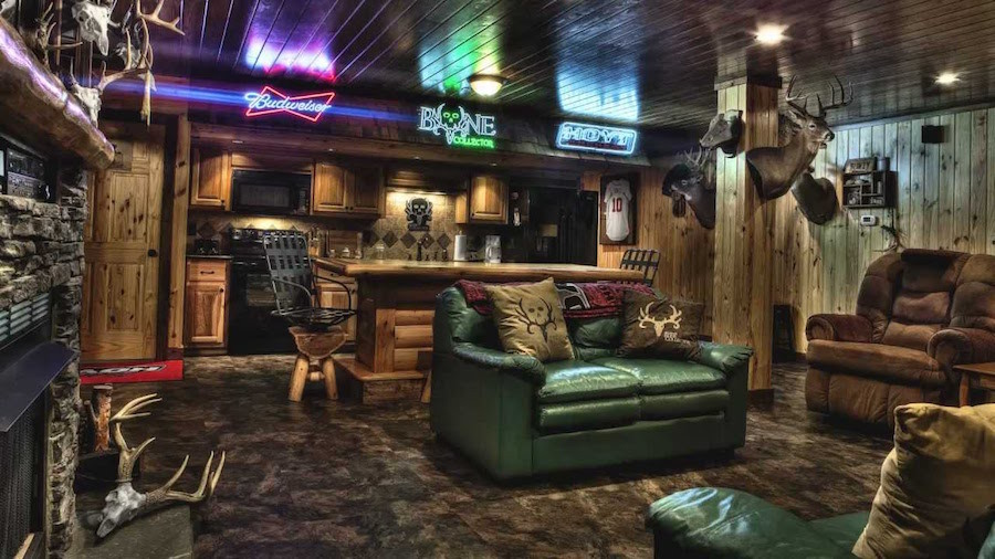 Sports bar element cave
