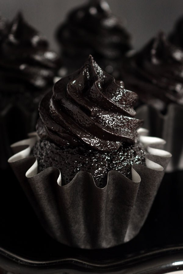 Blackout Chocolate Cupcakes & Blackout Frosting