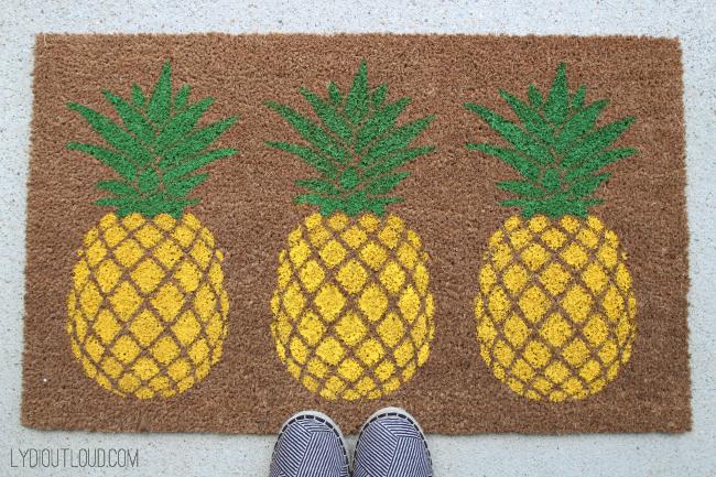DIY Pineapple Doormat