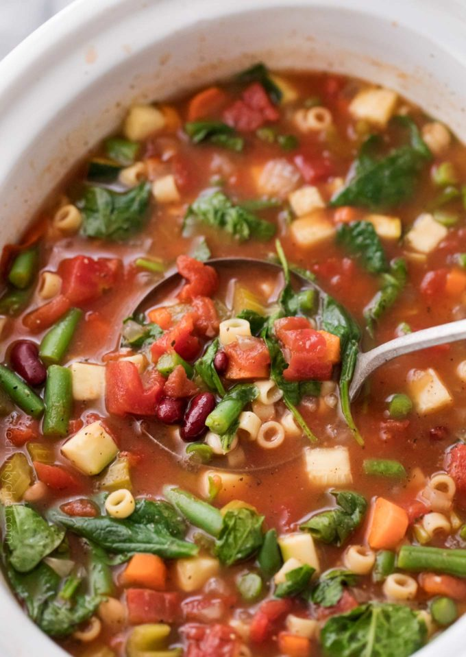 Hearty Slow Cooker Minestrone Soup