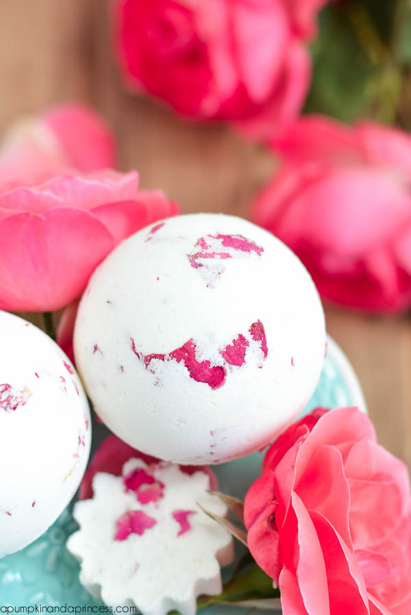 Rose milk bath bomb recipes
