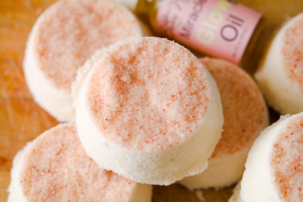 Salt bath bombs