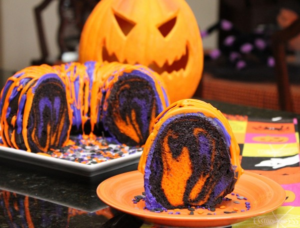 Halloween Cake Party Idea