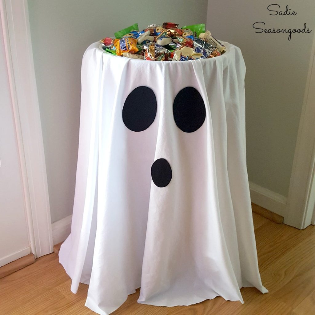 15 Chic Adult Halloween Party Ideas (Part 1)