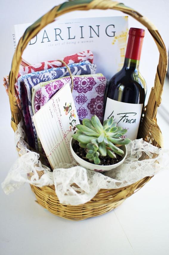 Perfect DIY Housewarming Basket