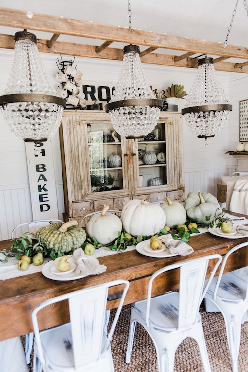 Rustic Pumpkin & Pear Table