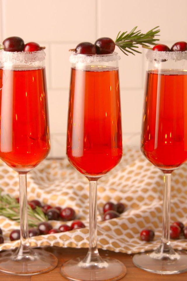 15 Festive Christmas Cocktail Recipes