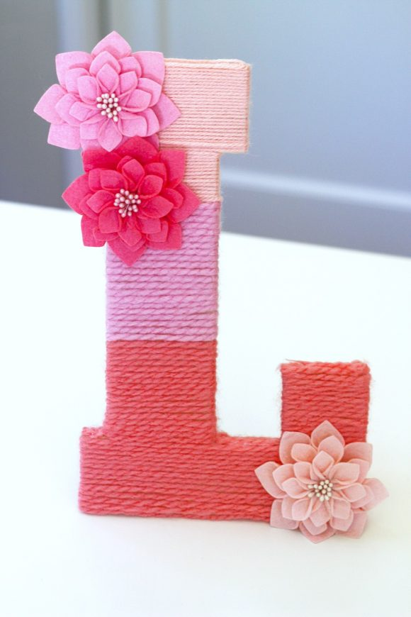 Easy Yarn-Wrapped Ombre Monogrammed Letter